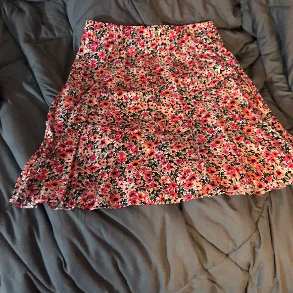 Christopher & Banks Dresses & Skirts - Cute Christopher and banks floral skirt.